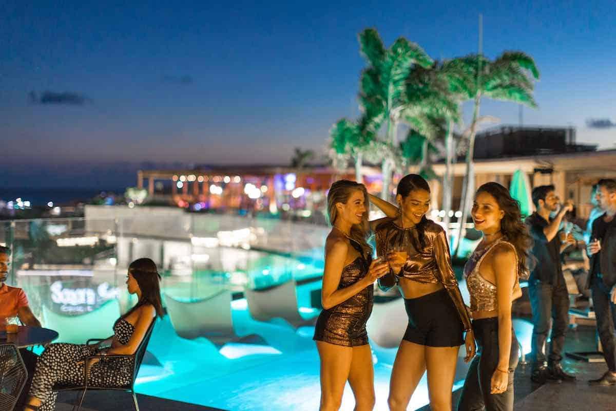 Disfruta de una original despedida de soltero o soltera al estilo único de Thompson Playa del Carmen
