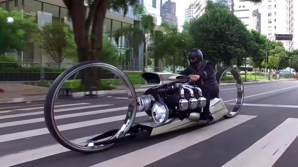 En cuanto a conceptos se trata, la TMC DUMONT, es uno de los mejores y más locos del mundo