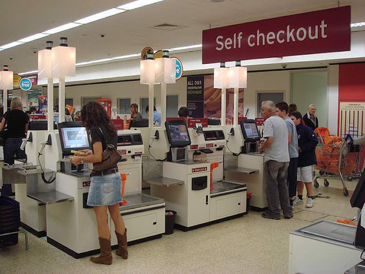 Self checkout en el supermercado