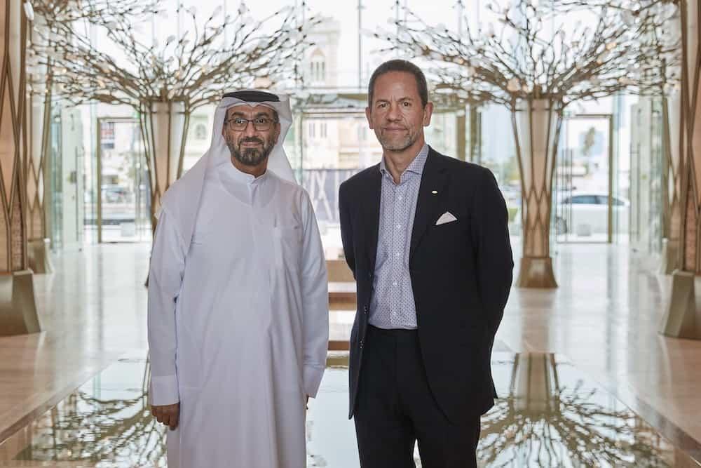 Hesham Al Qassim y James Riley