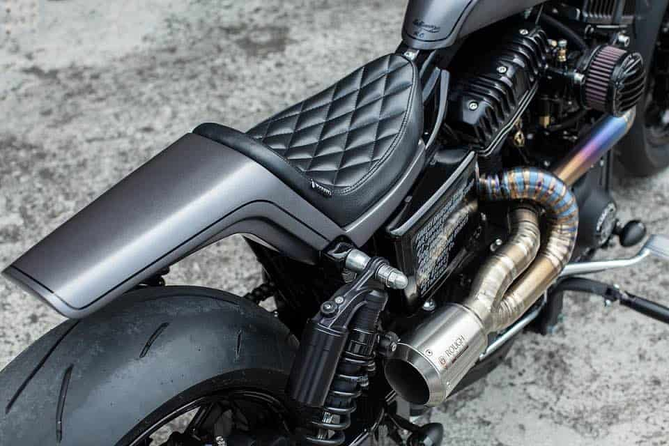 Urban Cavalry, una potente motocicleta Harley-Davidson Dyna transformada por Rough Crafts