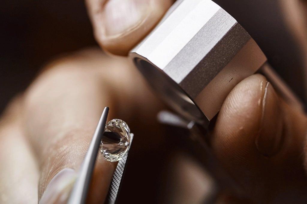 Bucear en busca de tus propios diamantes: El safari más caro del mundo