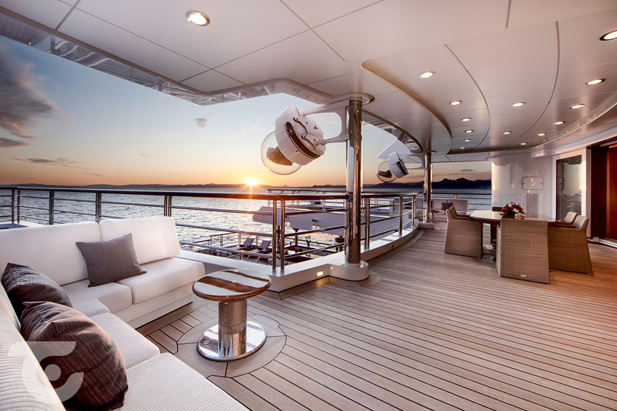 octopus yacht amenities