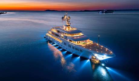 Aurora yacht night