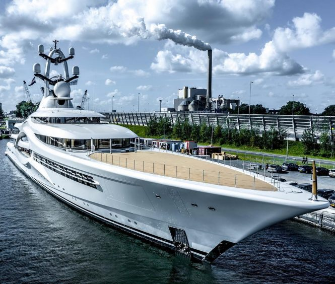 front part of super yacht anna