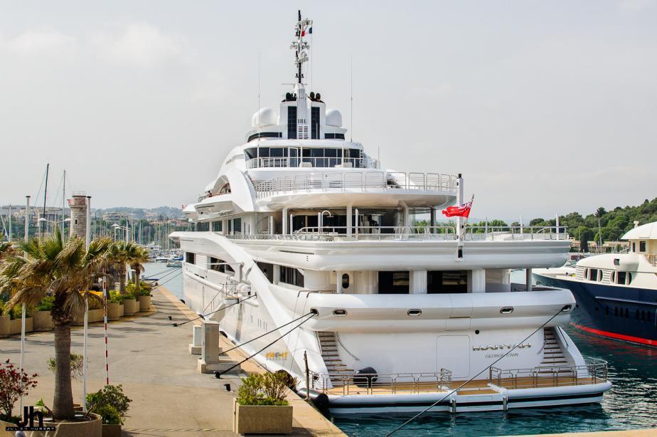aft deck super yacht