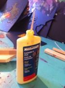 Wood glue for stretchers