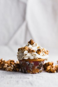 Pumpkin Cupcakes with Brown Butter Salted Caramel, Tahini Sage Buttercream, and Caramel Corn #fall #pumpkin #cupcakes | www.megiswell.com