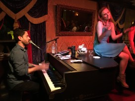 Johnny Foley's Irish House, Dueling Piano Bar