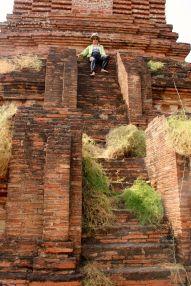 Myanmar #6 (264,65,66) Bagan, temples, inscriptions, B-day party 014