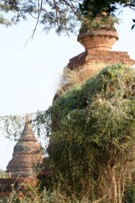 Myanmar #6 (264,65,66) Bagan, temples, inscriptions, B-day party 075