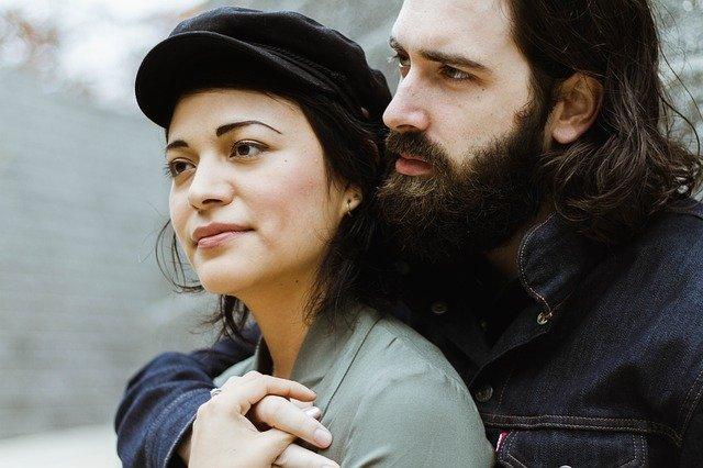 Uzaktan Bir Erkeğin Seni Sevdiğini Nasıl Anlarsın