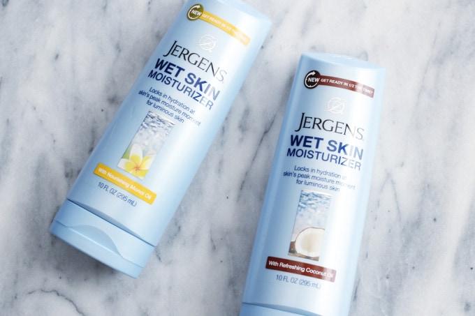 Jergens Wet Skin Moisturizer