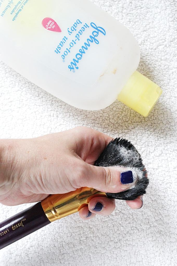 Clean makeup brushes with baby shampoo - gentle and leaves bristles super soft!