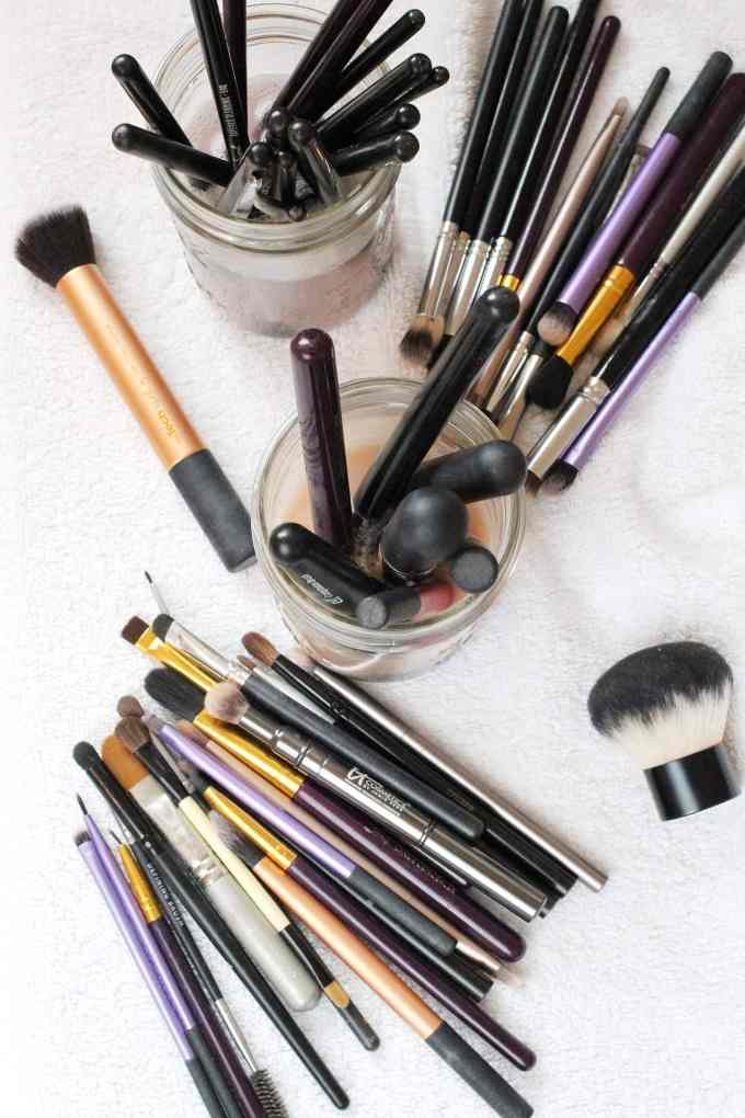 Clean makeup brushes with Dawn dish soap - soak in soapy water and it gets them squeaky clean!