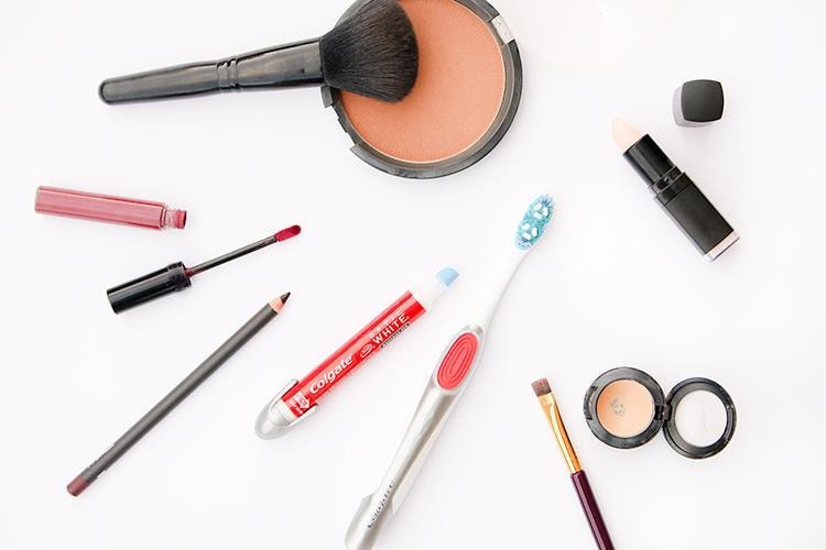 tools I use to get a perfect liquid lipstick application