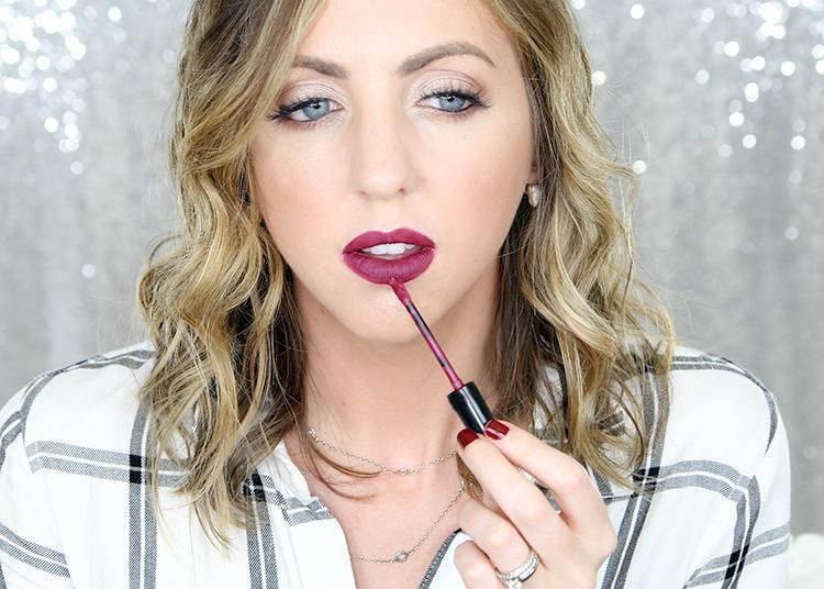 How to apply liquid lipstick