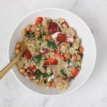 Quinoa bowl with kale and roasted chickpeas