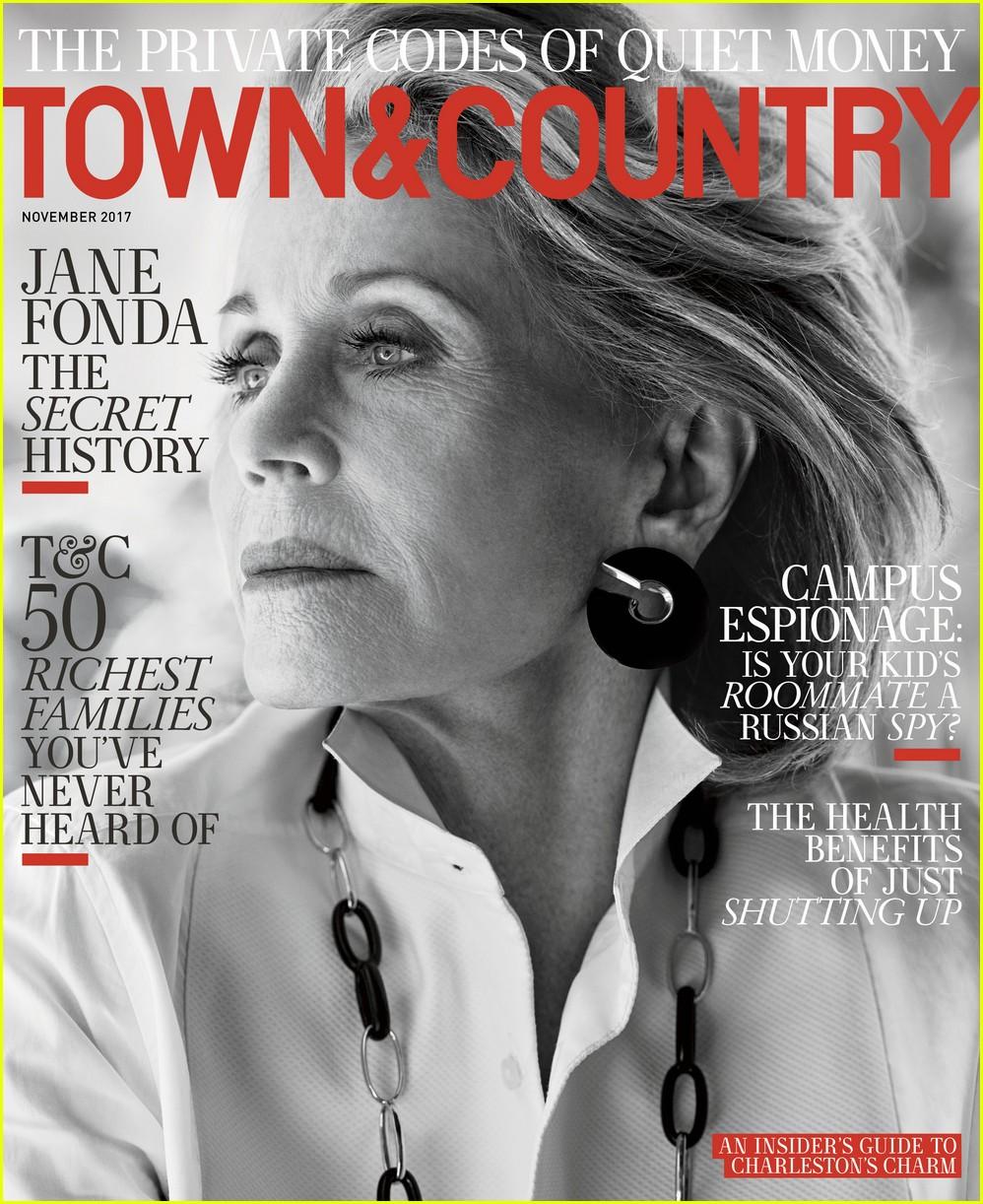 jane-fonda-town-country-magazine-01
