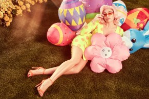 01-miley-easter