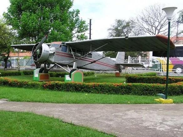 Ryan Flamingo de Jimmy Angel, reconstruido en el aeropuerto de Ciudad Bolivar