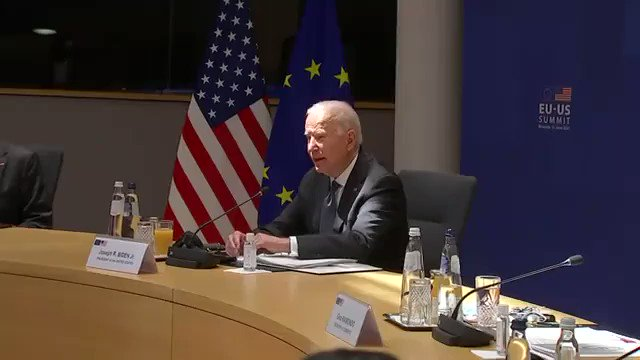 NOW - Biden apparently gets lost reading his notes at EU-US summit.