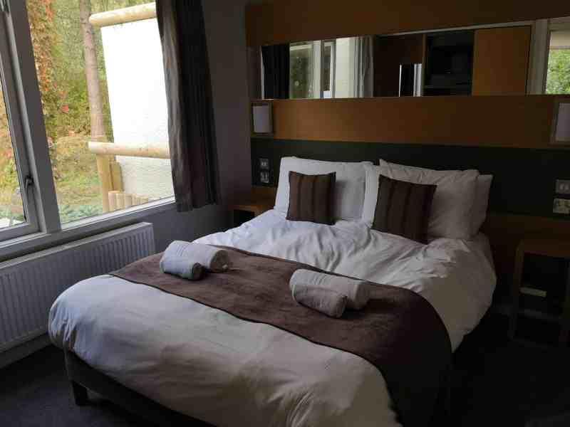 Center Parcs 3 Bedroom New Woodland Lodge double bedroom