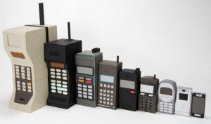 cep-telefonlari-eskiden-kuculdukce-degerlenirdi-simdi-ne-oldu-da-buyuduler_780x460