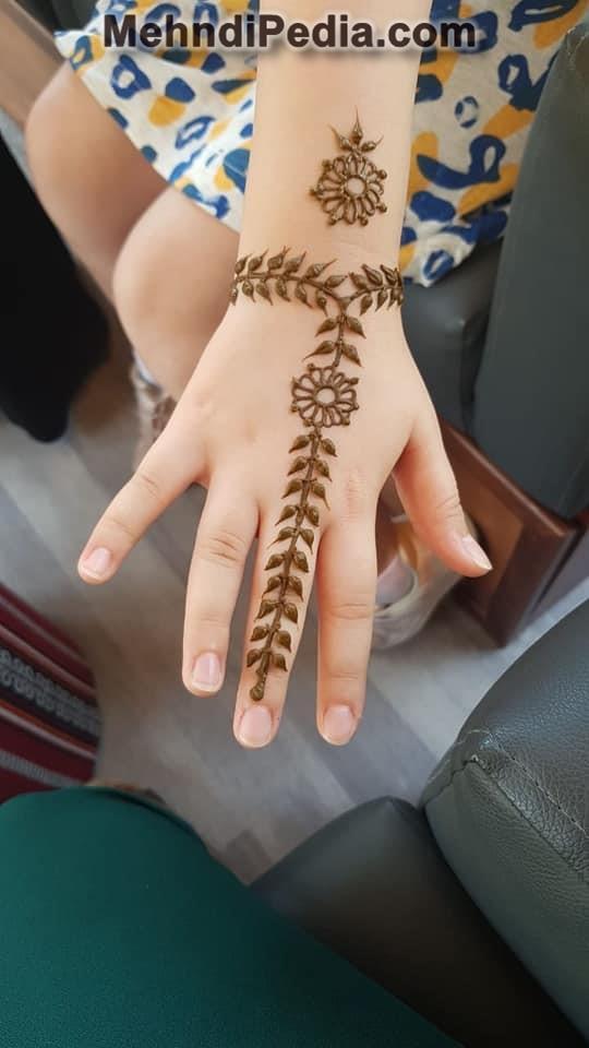 mehndi design for kids hand