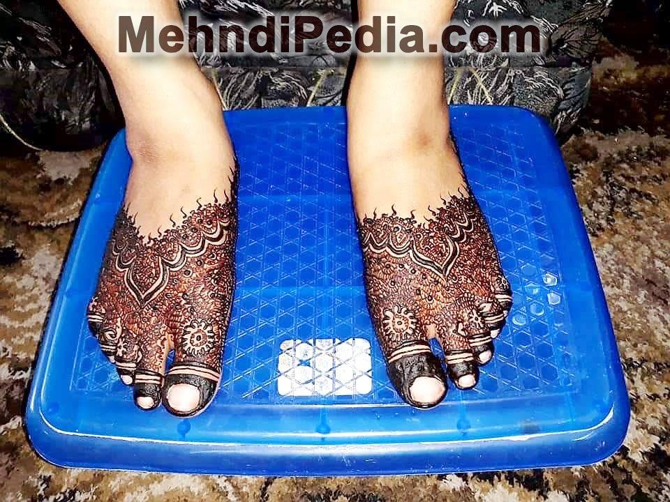 mehndi simple design for foot