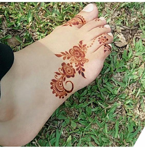 simple henna foot designs