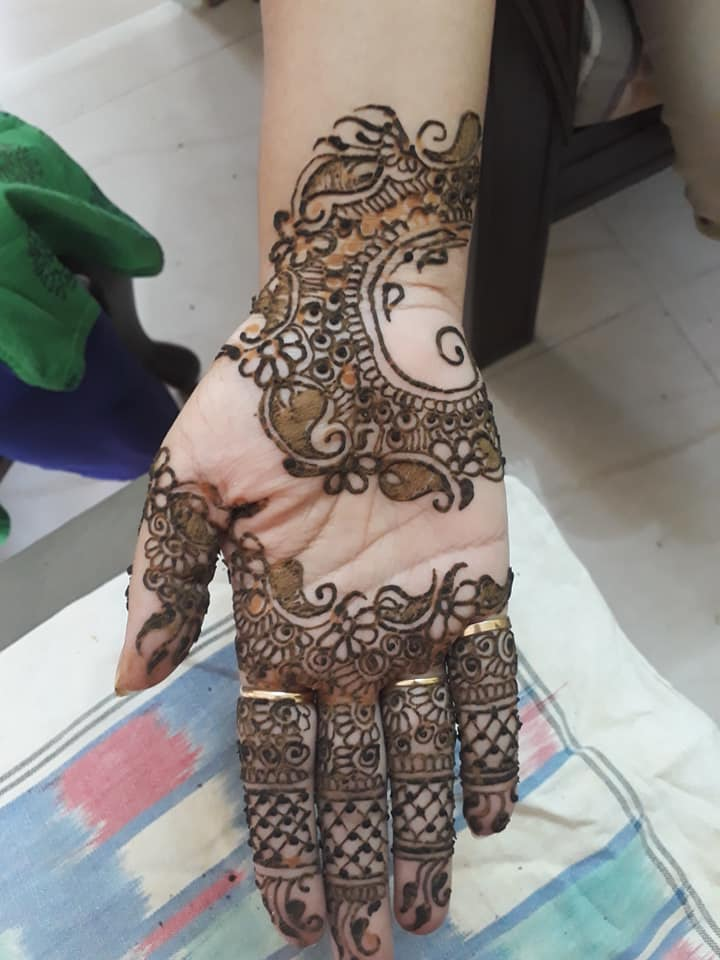simple latest henna designs for front hand