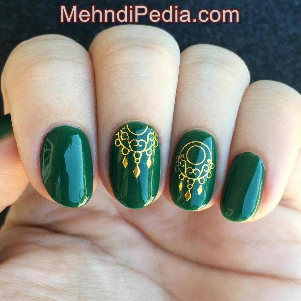 green color simple nail art lines