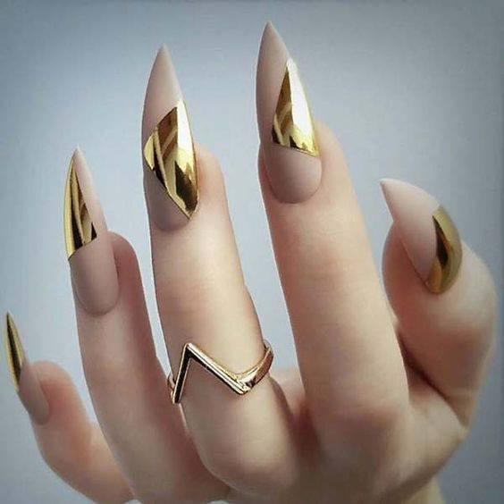 Sparkling Rosé Short Nail Design golden