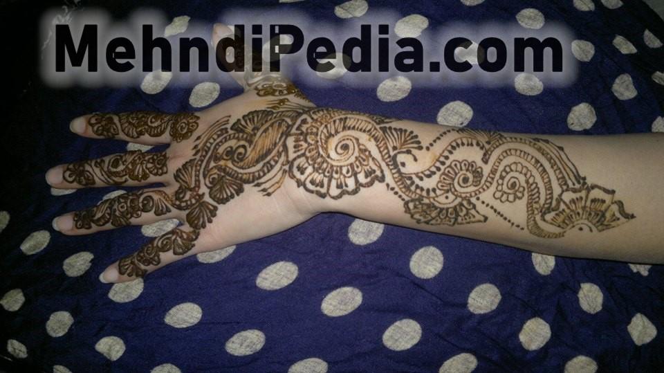 beautiful arabic mehendi designs