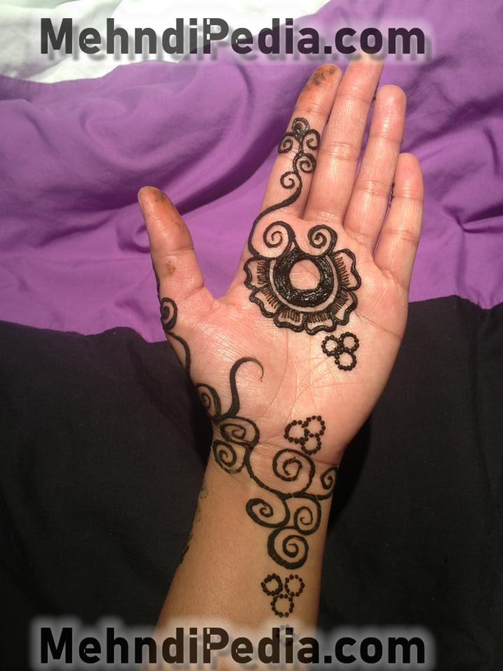 easy mehndi design for left hand front side