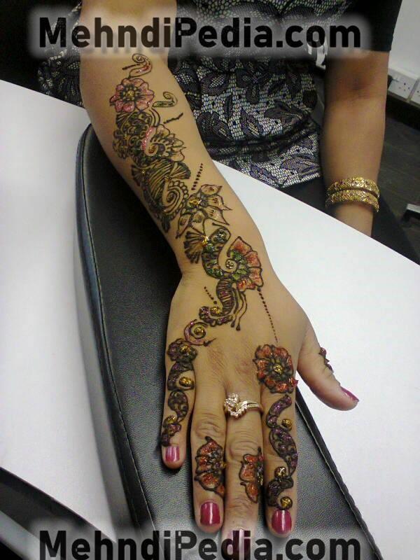 latest mehndi henna designs for hands