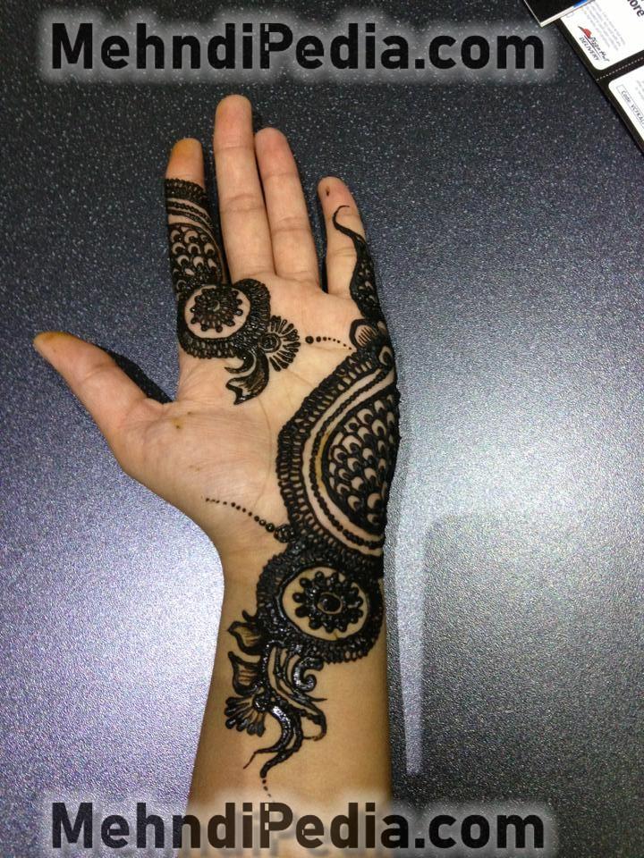 simple mehndi design for left hand front side step 2