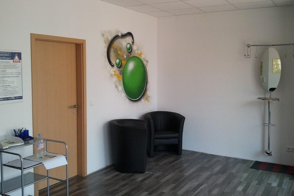 Eingang mit gemütlichen Sesseln