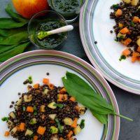 Beluga-Linsen-Salat mit Apfel, Karotte und Bärlauch (vegan und glutenfrei)