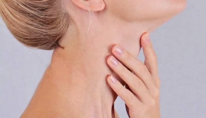 Tiroid kanserinin belirtileri nelerdir kadınlarda daha çok görülüyor!