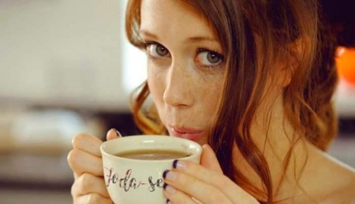 Aç karnına kahve içmek zararlı mı gaz sancısına neden oluyor!