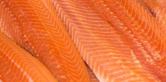 Somon balığıyla gelen güzellik! Bakın cildi nasıl gençleştiriyor?