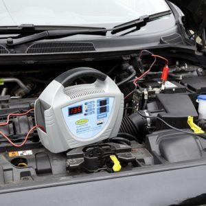 Comparatif démarreur et chargeur batterie voiture portables