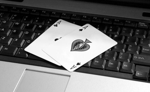 Ron McMillen commence le poker online par une victoire