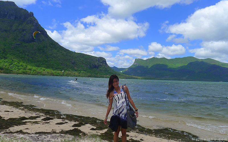 things to do in Mauritius: Le morne kite surfing