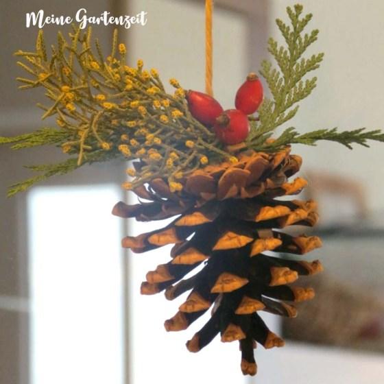 Süße Zapfendeko für Weihnachten