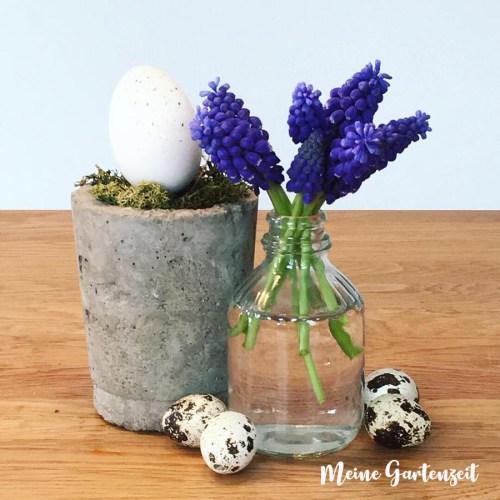 Blumige Osterdeko für den Tisch