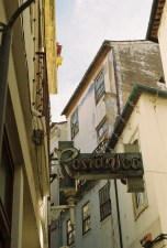 romantica-coimbra-urban-typography