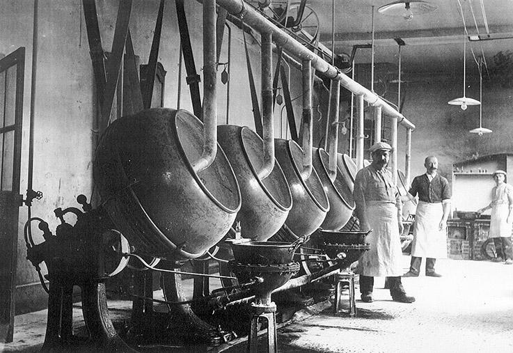 F_atelier_de_dragification_en_1930_credit_anisdeflavigny
